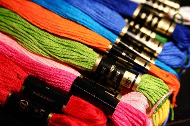 T-shirt meglio cotone o tessuti sintetici?