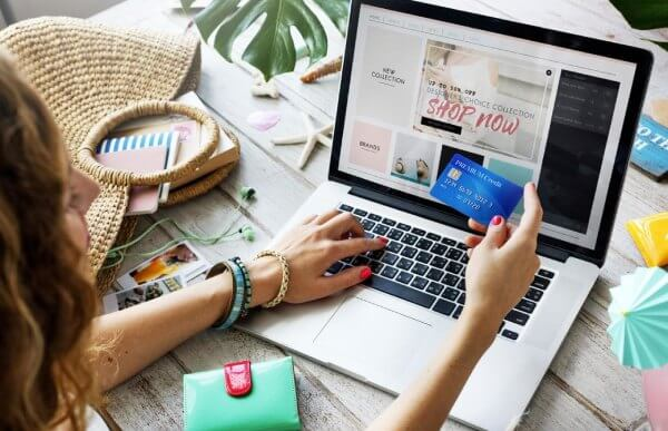 5 motivi per preferire l'abbigliamento personalizzato online