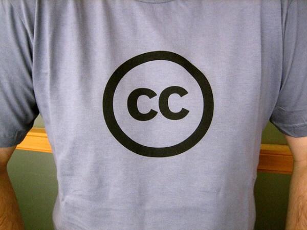 magliette con logo personalizzato