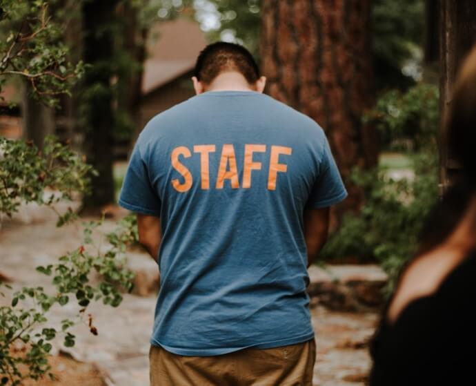 t shirt con stampa fronte retro per staff